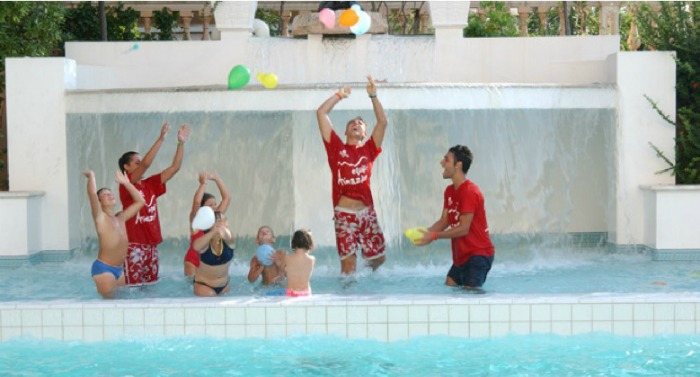 family hotel riccione con piscina