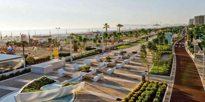 Hotel riccione 3 stelle con piscina for Piscina riccione