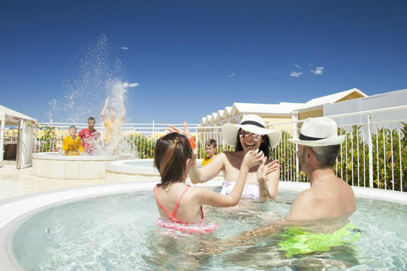 hotel 3 stelle riccione con piscina